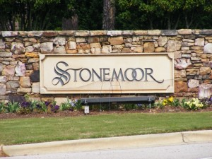 neighborhood sign outside Stonemoor in Raleigh
